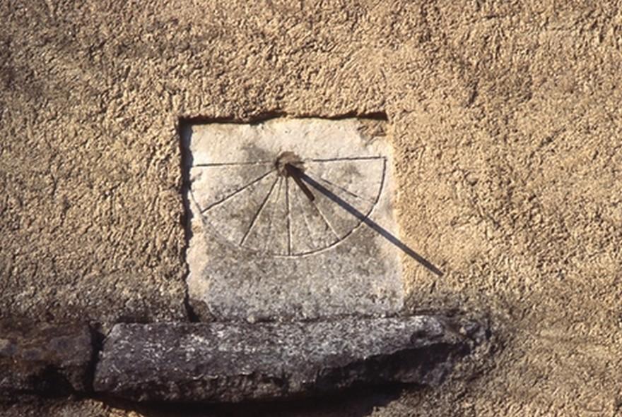 Cadran solaire Benoit Saint-Baudille Tarn.